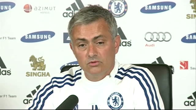 chelsea boss jose mourinho is without a win in three matches london stamford bridge int jose mourinho press conference sot crisi what crisis syria or... - スタンフォードブリッジ点の映像素材/bロール