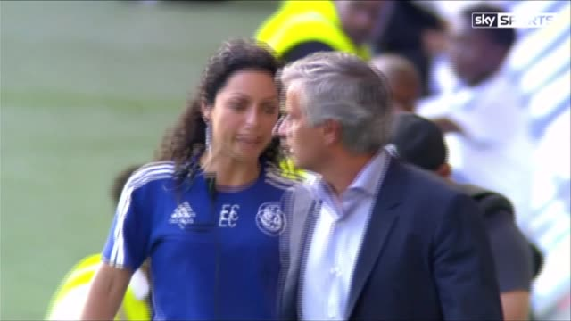 axed medical staff could return to bench says jose mourinho 8th augist 2015 london stamford bridge ext mourinho and caneiro exchanging words on her... - ジョゼ・モウリーニョ点の映像素材/bロール