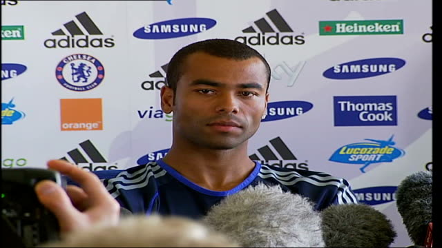 chelsea fc press conference as ashley cole signs to the club ashley cole press conference sot arsenal has great players more about looking forward to... - チェルシーfc点の映像素材/bロール