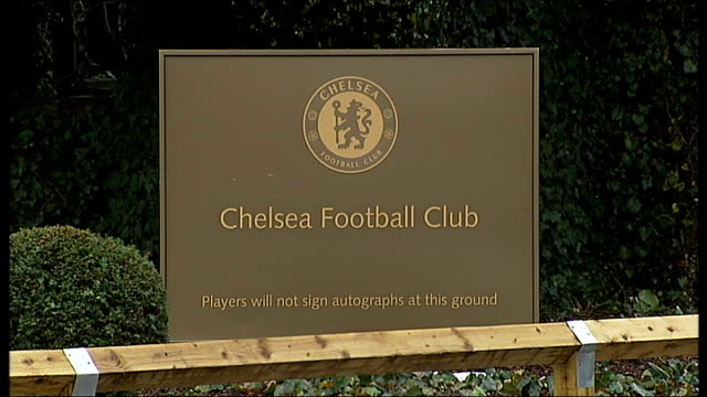 chelsea in talks with guus hiddink england cobham ext sign at entrance to chelsea training ground 'chelsea football club' gv entrance to ground - cobham training ground stock videos and b-roll footage