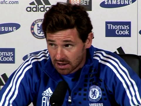chelsea manager andre villas-boas previews chelseas next game against liverpool race rows and why he on november 19, 2011 in london, england - チーム写真点の映像素材/bロール