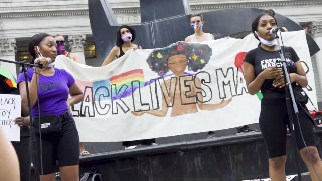 vidéos et rushes de chelsea miller - co-founded the advocacy group freedom march nyc. the event was organized by freedom march nyc a protest group civil rights... - non us film location