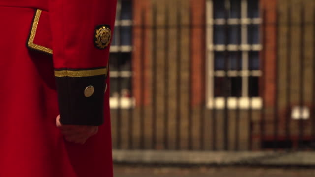 chelsea pensioners observing founders day during the coronavirus crisis - traditional ceremony stock videos & royalty-free footage