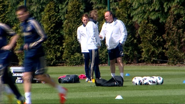 chelsea prepare for europa league final / fail to ensure champions league qualification surrey cobham day benitez talking to staff as chelsea players... - cobham surrey stock videos and b-roll footage