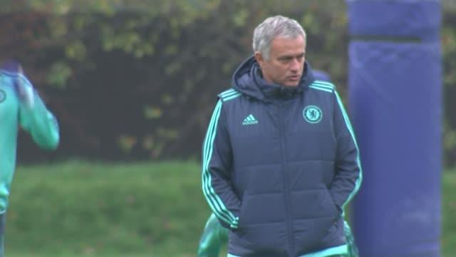 chelsea sack manager jose mourinho t04111521 cobham ext jose mourinho at chelsea training session end lib - ジョゼ・モウリーニョ点の映像素材/bロール