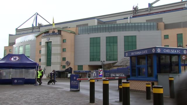 vídeos y material grabado en eventos de stock de stamford bridge general views; england: london: fulham: stamford bridge: ext general views stamford bridge stadium including name over entrance,... - vista general