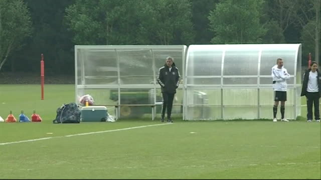 surrey cobham ext chelsea players out onto training pitch including petr cech fernando torres gary cahill mark schwarzer john terry frank lampard and... - cobham training ground stock videos and b-roll footage