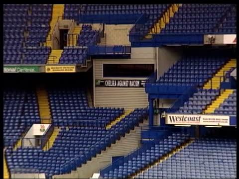 vídeos de stock e filmes b-roll de transfer dealings; itn generics from server london: stamford bridge: gv empty stadium pull out - kensington e chelsea