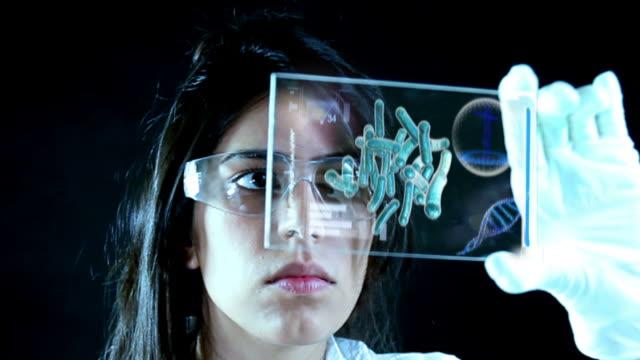vídeos y material grabado en eventos de stock de chemist in laboratory - capilar vaso sanguíneo