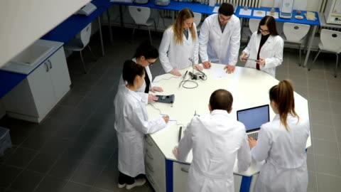 化學研討會 - research 個影片檔及 b 捲影像