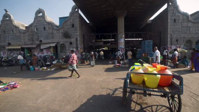 chennai india market exterior dolly shot. flowers market - chennai stock videos & royalty-free footage