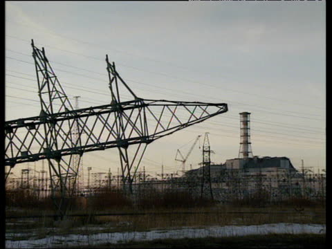 vídeos de stock e filmes b-roll de chernobyl nuclear power station ukraine 1991 - cinza nuclear