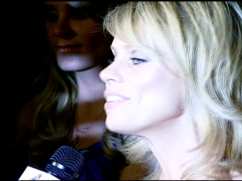 cheryl hines at the nicole khristine jewelry launch featuring dj am, grandmaster flash and macy gray performing the first ever turntable symphony at... - メイシー グレイ点の映像素材/bロール