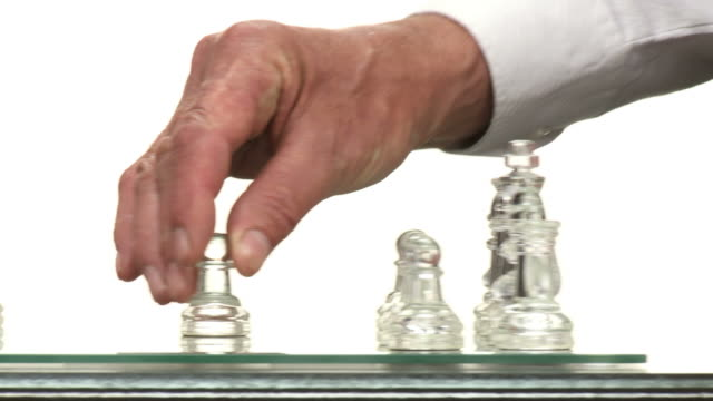 HD DOLLY: Chess Game