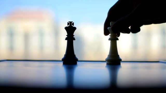 vidéos et rushes de jeu d'échecs  - échec