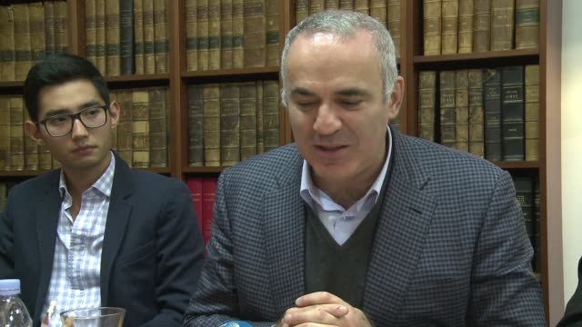 Chess legend Garry Kasparov on Tuesday appealed to French President Francois Hollande to annul a decree to extradite exiled Kazakh oligarch Mukhtar...