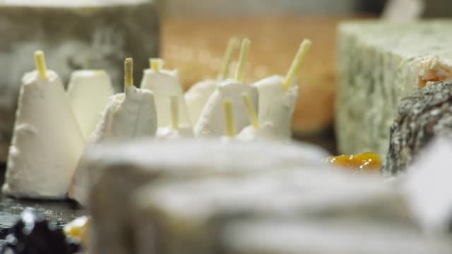 vidéos et rushes de ecu pan la chevre to brin d'amour cheeses - culture française