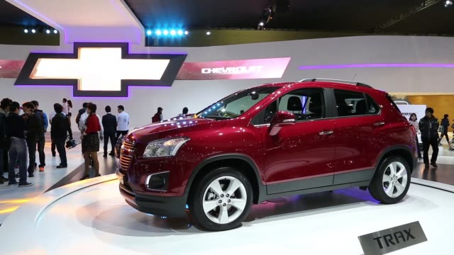 chevrolet trax bsegment suv vehicle rotates on display stand at the company stand at the 2013 seoul motor show in goyang the seoul motor show 2013 on... - goyang stock videos and b-roll footage