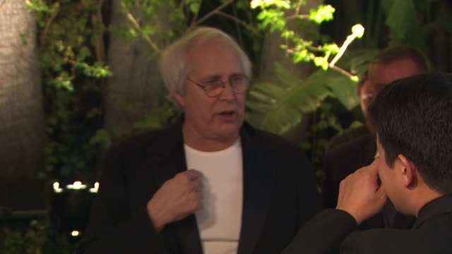 chevy chase at the 2010 vanity fair oscar party hosted by graydon carter at west hollywood ca. - vanity fair oscar party点の映像素材/bロール