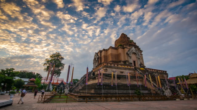Chiangmai Thailand, Wat Chedi Luang tempel dag naar nacht time-lapse