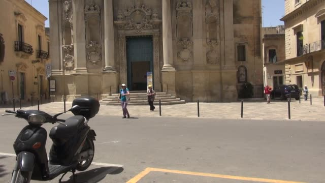 chiasa santa chiara its first foundation commissioned by the bishop tommaso ammirato dates back to 1429 it was later almost completely restored... - tourist train stock videos and b-roll footage
