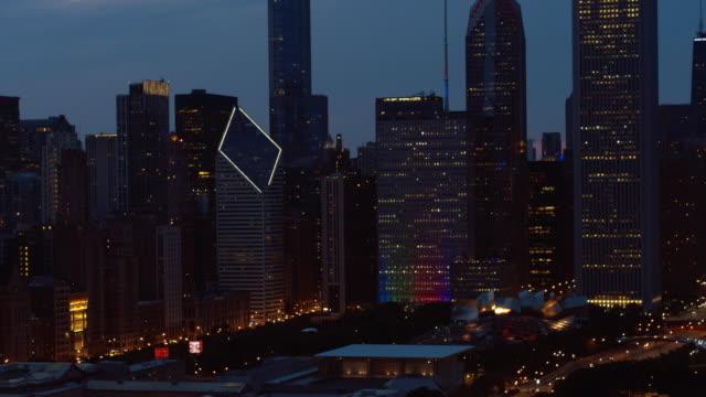 chicago-antenn - millennium park chicago bildbanksvideor och videomaterial från bakom kulisserna