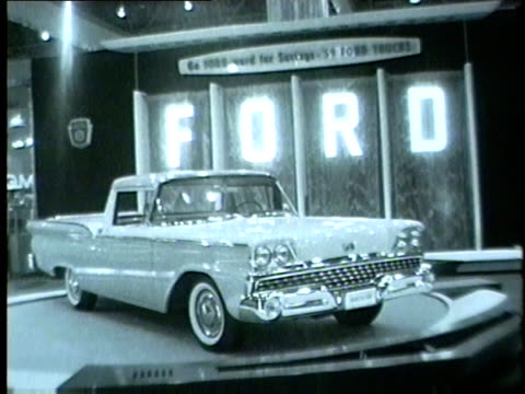 chicago auto show display preview including cars and models in 1959 the show ran from january 1625 - 1950 1959 stock-videos und b-roll-filmmaterial