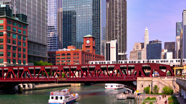 chicago business district, bridge, boat, corporate building, day - chicago river stock videos & royalty-free footage