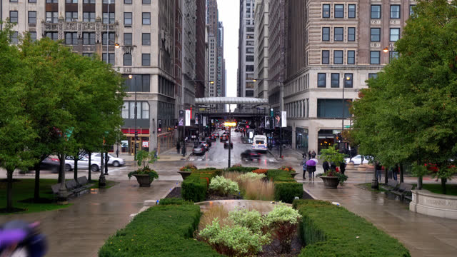 chicago city. nature. subway. retro style building - chicago 'l' stock videos & royalty-free footage