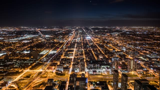 t/l ws ha zi chicago cityscape at night / chicago, usa - street light stock videos & royalty-free footage