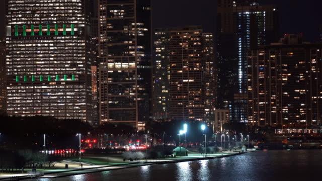 シカゴシティスケープオフィススカイライン超高層ビルミシガン湖 - グラントパーク点の映像素材/bロール