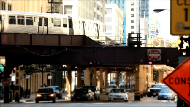 chicago commuting - chicago 'l' stock videos & royalty-free footage
