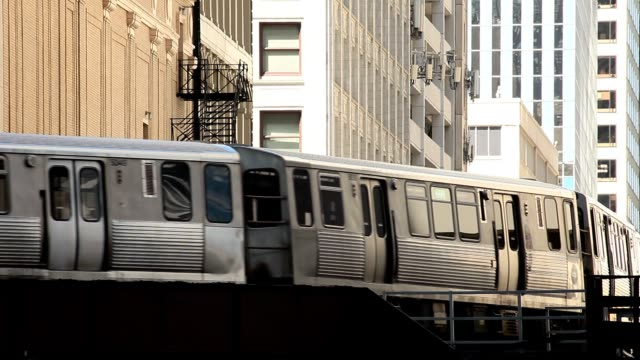 chicago elevated train - chicago 'l' stock videos & royalty-free footage