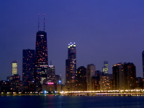 chicago from dusk to night - dusk to night stock videos & royalty-free footage