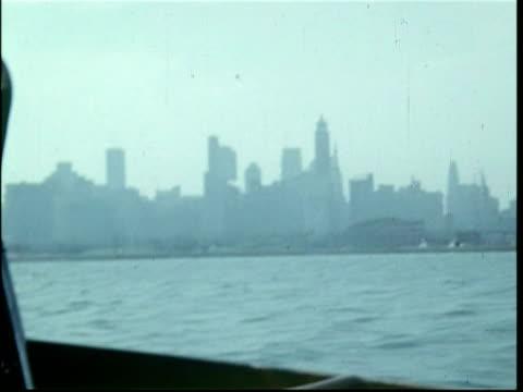 vídeos y material grabado en eventos de stock de chicago from lake michigan.  visited by 3 computer executives, 1951 - 1951