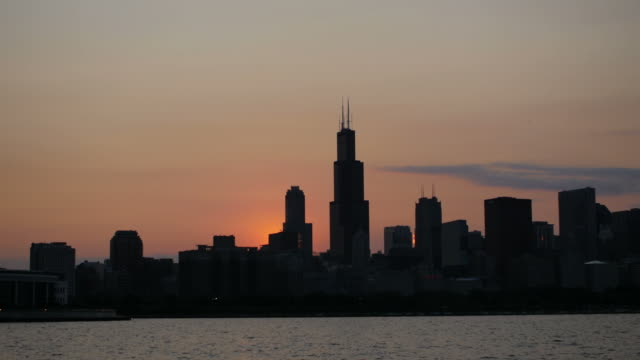 chicago, il sunset - willis tower stock videos & royalty-free footage