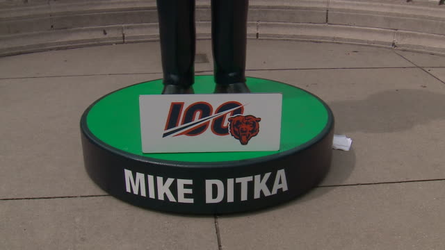 wgn chicago il us a new 7foot high bobblehead of chicago bears' super bowlwinning coach mike ditka in millennium park on friday august 30 2019 - male likeness stock videos & royalty-free footage