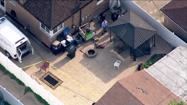 chicago, il, u.s. - aerial, chicago police at house where the body of marlen ochoa-uriostegui was found on tuesday, may 14, 2019. - ward stock videos & royalty-free footage