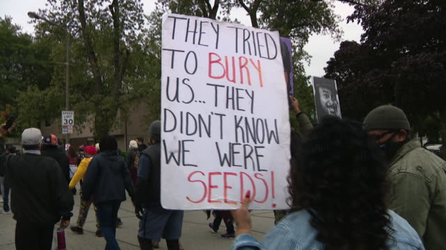 chicago, il, u.s. - crowd of people marching at protest against unfair judicial system in evanston. family members of breonna taylor and jacob blake... - unfairness stock videos & royalty-free footage