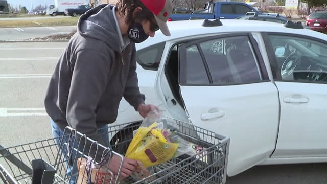 chicago, il, u.s. - exterior of boulder king soopers after employees candlelight vigil after mass shooting on saturday, march 27, 2021. friday night,... - boulder stock videos & royalty-free footage