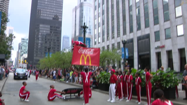 chicago, il, u.s. - gymnastics team performing acrobatics at 69th annual columbus day parade on state street in chicago. smiles and excitement lined... - christopher columbus explorer stock videos & royalty-free footage
