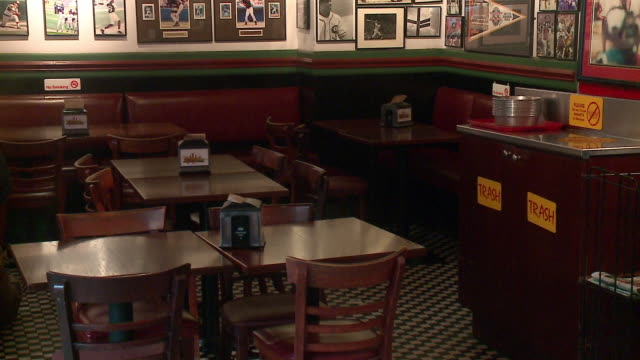 chicago, il, u.s. - interiors of restaurant during chicago teacher's strike on thursday, october 31, 2019. union teachers and school staff members... - new hire stock videos & royalty-free footage