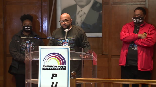 chicago, il, u.s. - man speaking at press conference during protest against unfair judicial system in evanston. family members of breonna taylor and... - aunt stock videos & royalty-free footage