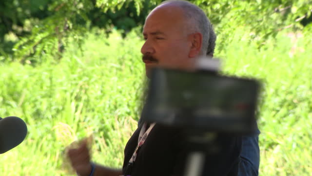 vidéos et rushes de chicago, il, u.s. - officials speaking at event introducing 'census cowboy', an initiative designed by mayor lori lightfoot to encourage chicagoans... - équipement audiovisuel