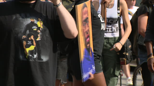 chicago, il, u.s. - people with george floyd portrait marching after derek chauvin sentencing in minneapolis, mn, on friday, june 25, 2021. former... - male likeness stock videos & royalty-free footage