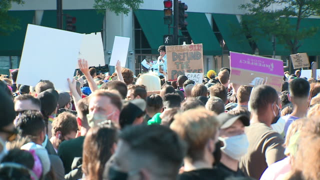 wgn chicago il us protest participant giving speech the drag march for change in support of black lives matter grew into one of the largest protests... - participant stock videos & royalty-free footage