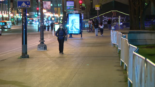 chicago, il, u.s. - scenes from city streets in area of millennium park,on thursday, november 19, 2020. this year's ceremony, was, for the first... - christmas tree lighting ceremony stock videos & royalty-free footage