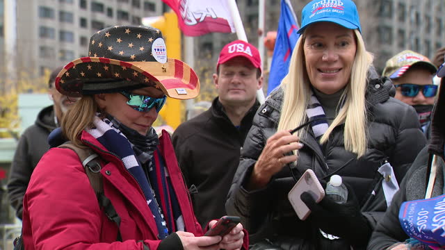 chicago, il, u.s. - trump supporters during thanksgiving rally in downtown chicago, on thursday, november 26, 2020. - thanksgiving politics stock videos & royalty-free footage