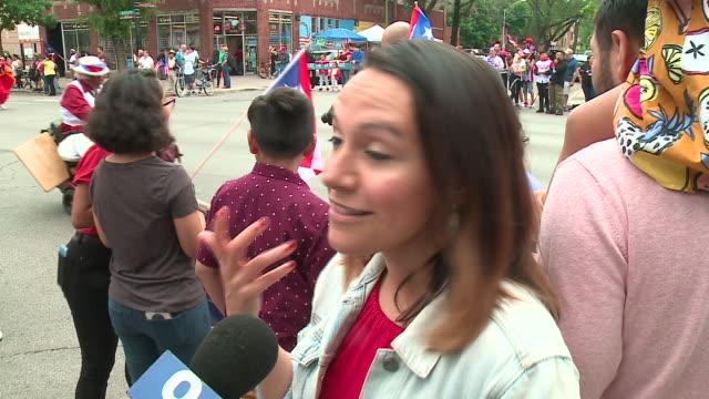 vídeos y material grabado en eventos de stock de wgn chicago il us woman interviewd at puerto rico festival parade in chicago on saturday june 15 2019 - entrevista sin editar