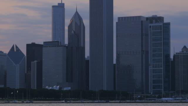 stockvideo's en b-roll-footage met chicago, il - plaatselijk monument